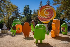Android sculptures in Google Headquarters